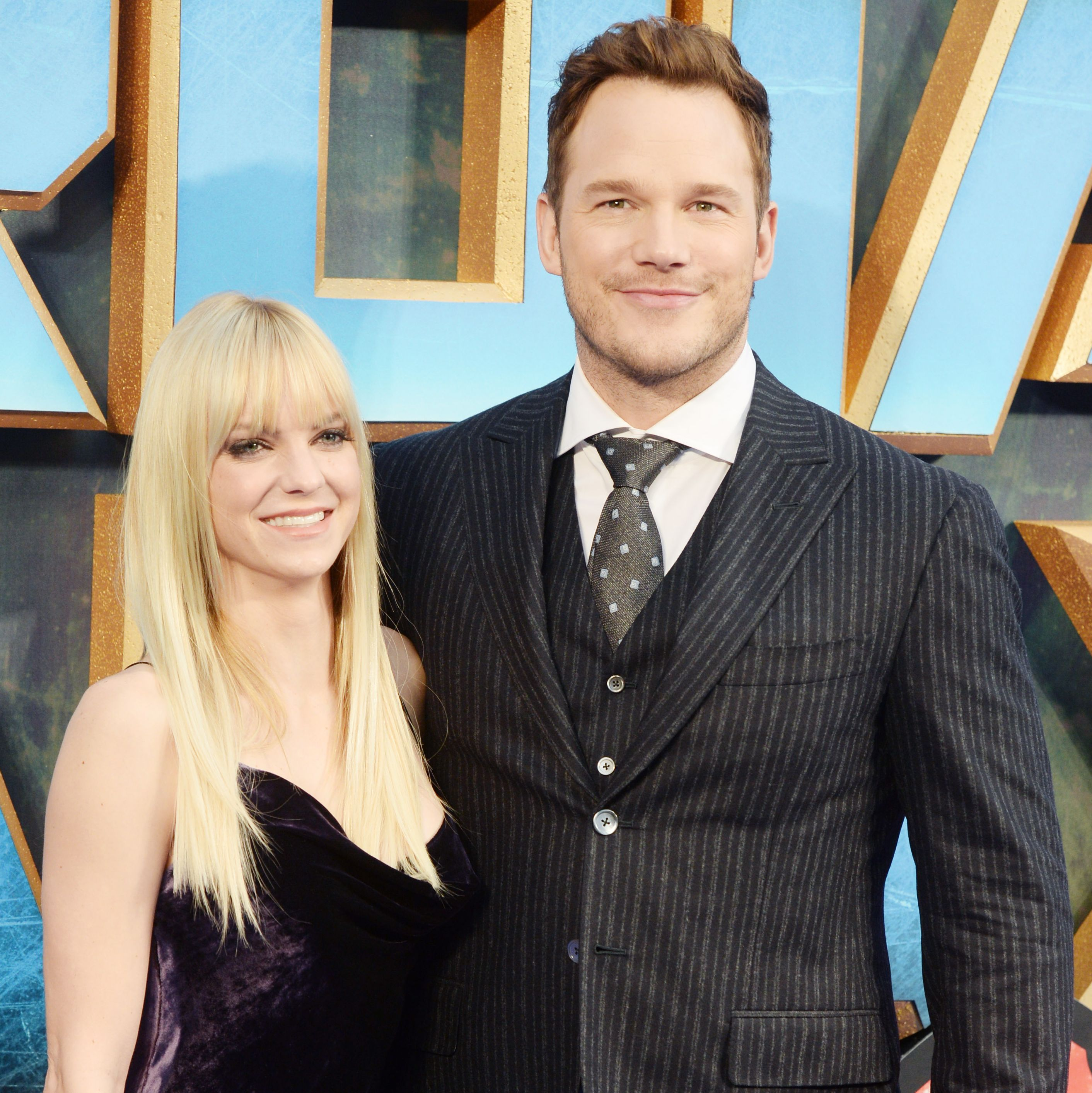 Anna Faris and Chris Pratt Anna and Chris met and fell in love on the set of the 2007 movie Take Me Home Tonight . The two eventually married, and fans loved how normal and relatable they were.