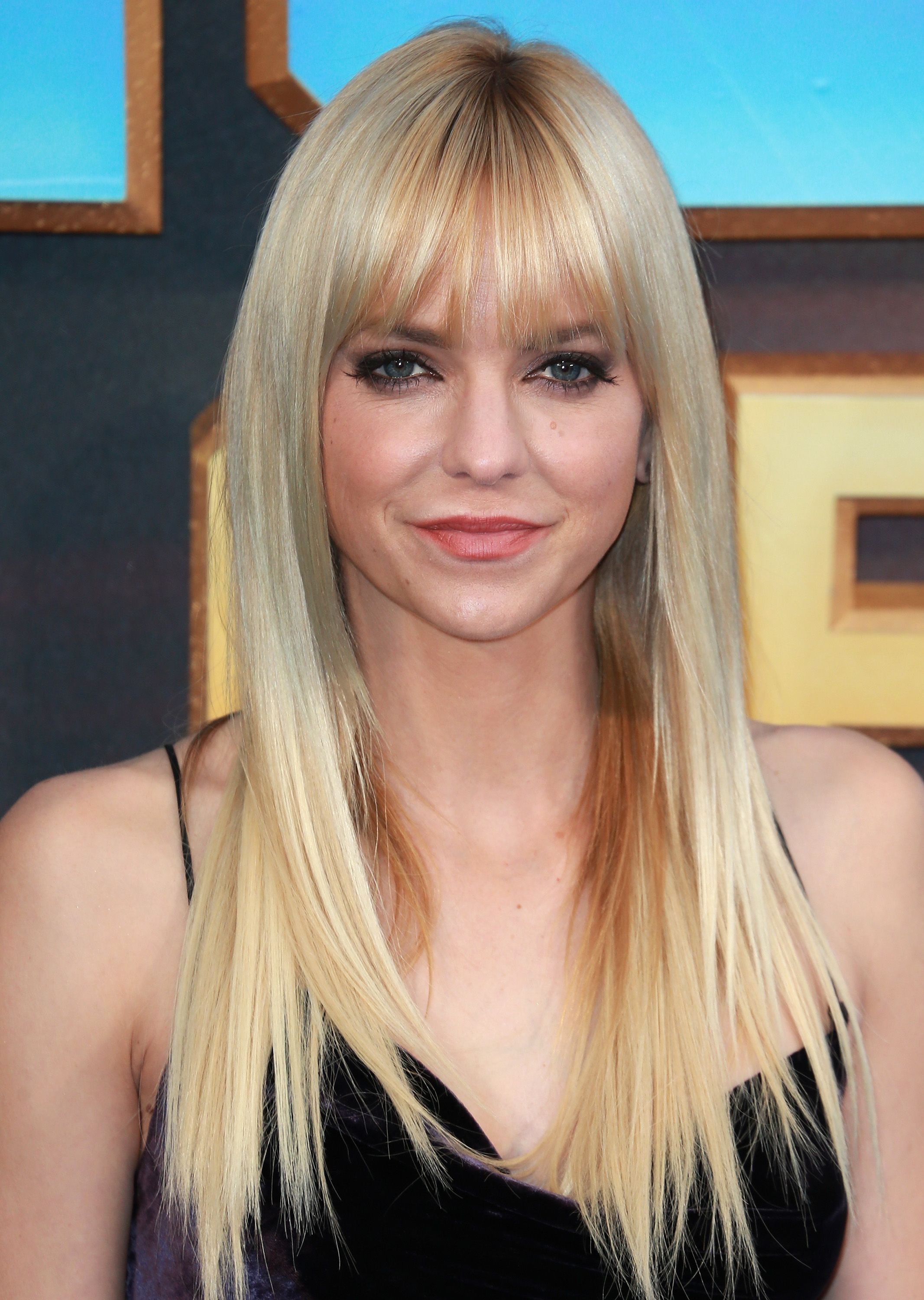 20 Best Haircuts For Women With Round Shaped Faces