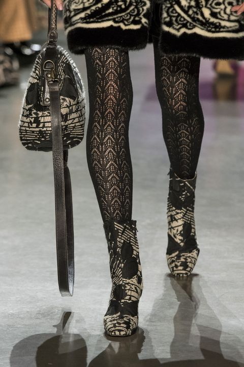 Leg, Tights, Human leg, Fashion, Thigh, Footwear, High heels, Joint, Human body, Stocking,