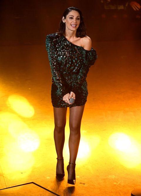 Fashion model, Clothing, Shoulder, Fashion, Dress, Beauty, Joint, Thigh, Leg, Cocktail dress,
