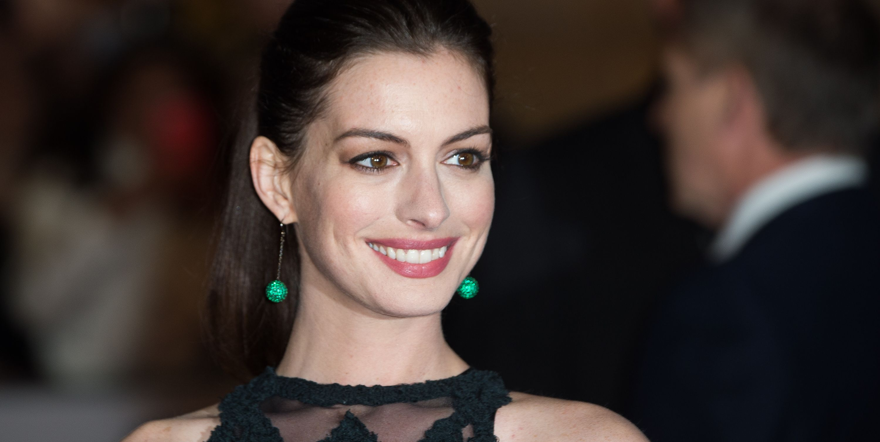 Anne Hathaway Says She's Quitting Drinking for the Next 16 Years