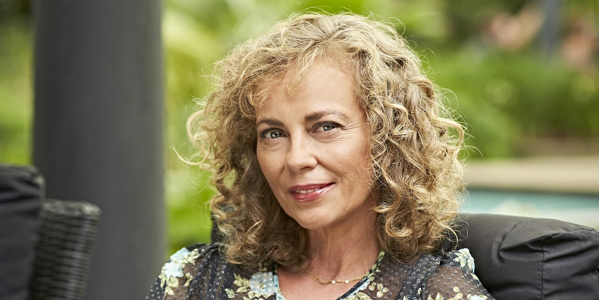 Neighbours fans notice a familiar face in Jane Harris's scam storyline