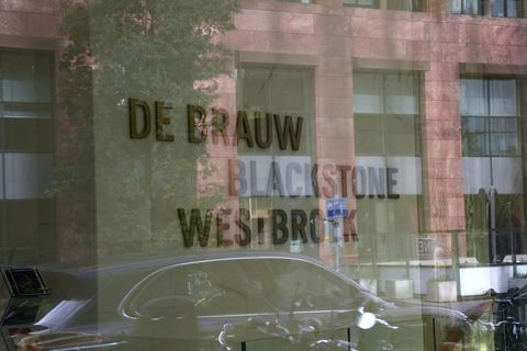 amsterdam    zuidas   de brauw blackstone westbroek,  advocaten firma,