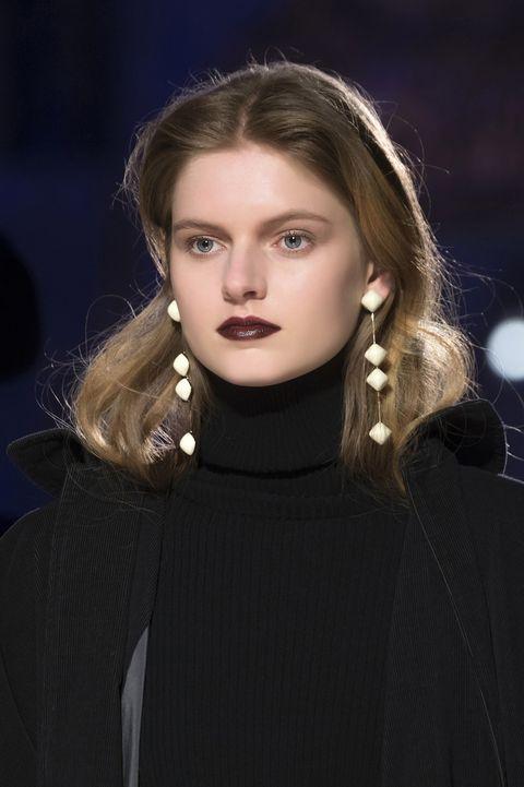Hair, Face, Fashion, Lip, Beauty, Eyebrow, Hairstyle, Blond, Fashion model, Cheek,