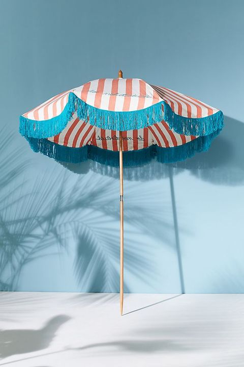 Super Anthropologie Is Debuting Its First Weather Resistant Evergreenethics Interior Chair Design Evergreenethicsorg