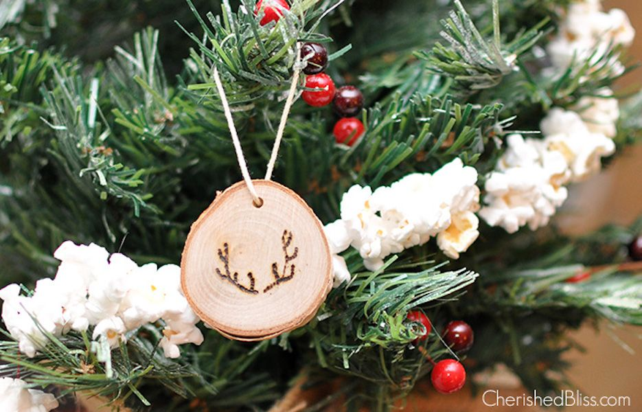 7744d4c6f6 42 Homemade DIY Christmas Ornament Craft Ideas - How To Make Holiday  Ornaments