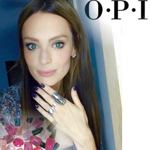 Finger, Eyebrow, Nail, Eyelash, Jewellery, Nail care, Beauty, Manicure, Body jewelry, Eye liner,
