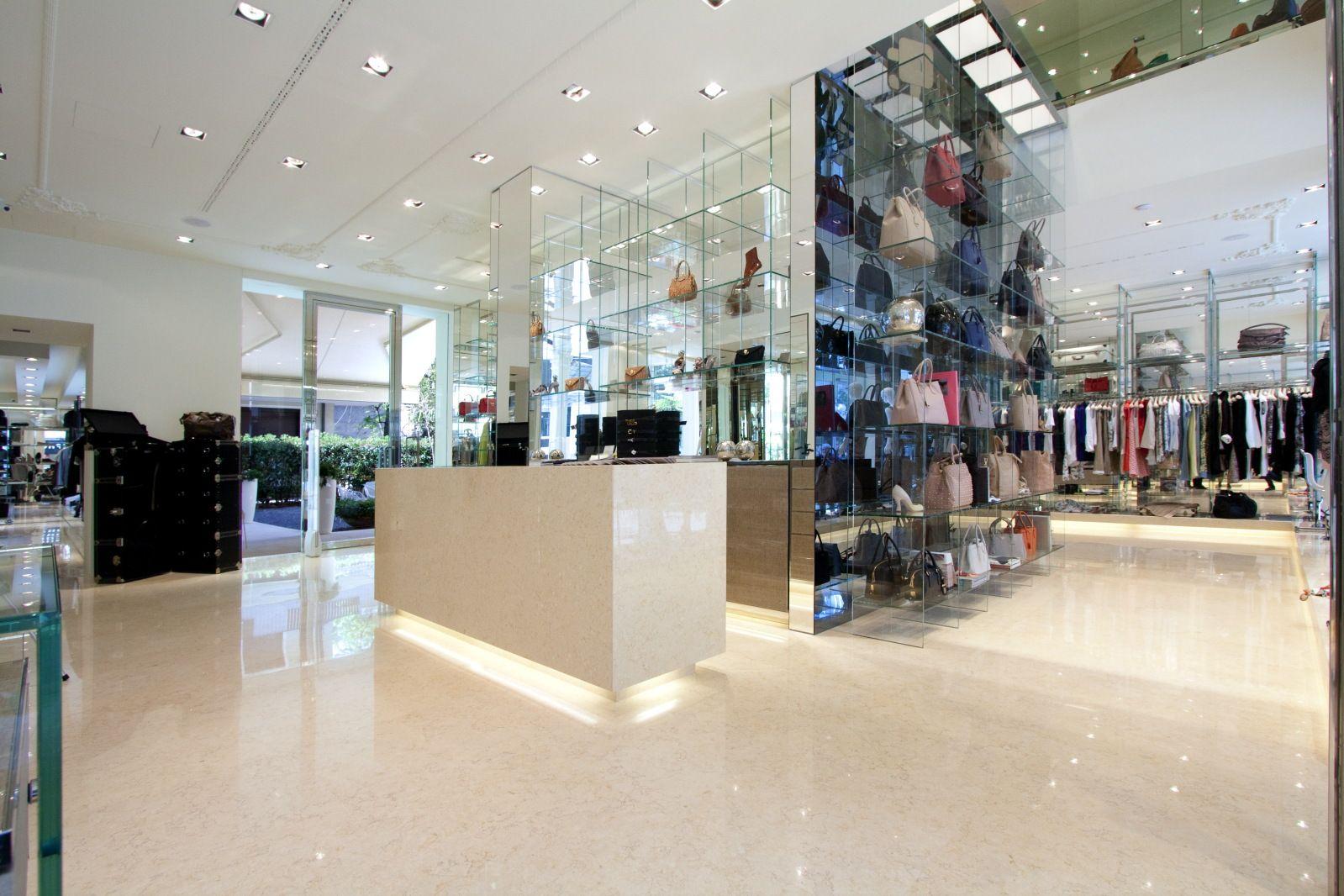 Negozi moda: Antonia boutique a Riccione, marchi, indirizzo