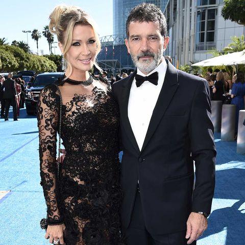 Nicole Kimpel y Antonio Banderas en la 70 edición de los premios Emmy