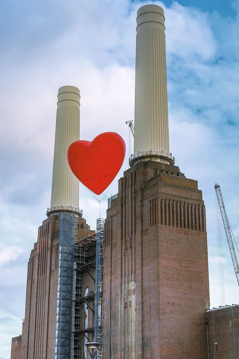 Anya Hindmarch Installs Giant Inflatable Hearts All Over London
