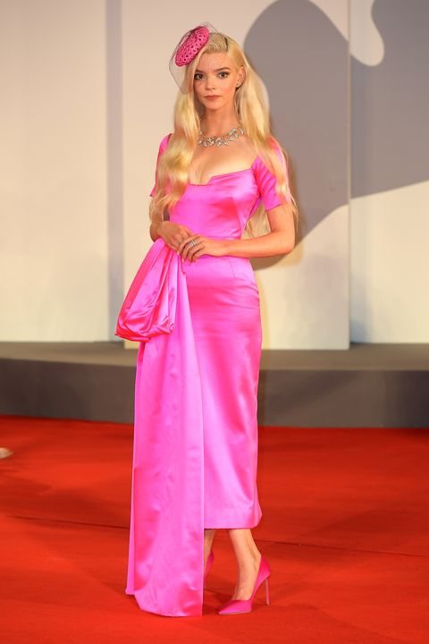 anya taylor joy at the last night in soho red carpet