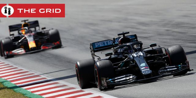 mercedes driver lewis hamilton of britain leads the field in front of red bull driver max verstappen of the netherlands during the formula one grand prix at the barcelona catalunya racetrack in montmelo, spain, sunday, aug 16, 2020 alejandro garcia, pool via ap