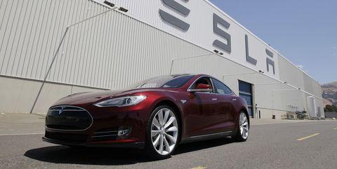 Land vehicle, Vehicle, Car, Automotive design, Tesla model s, Motor vehicle, Performance car, Tesla, Personal luxury car, Sedan,