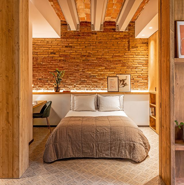casa en barcelona paredes de ladrillo
