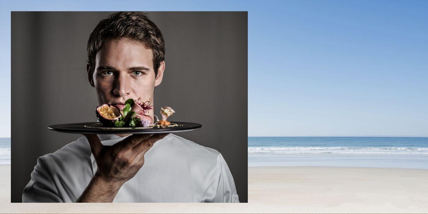 Per Antonio Scarantino chef cucina e cibo sono una passione che si rinnova ogni giorno come un colpo di fulmine: cresciuto in Germania e un passaggio da Massimo Bottura, ha trovato a Fano nelle Marche il suo centro di gravità.