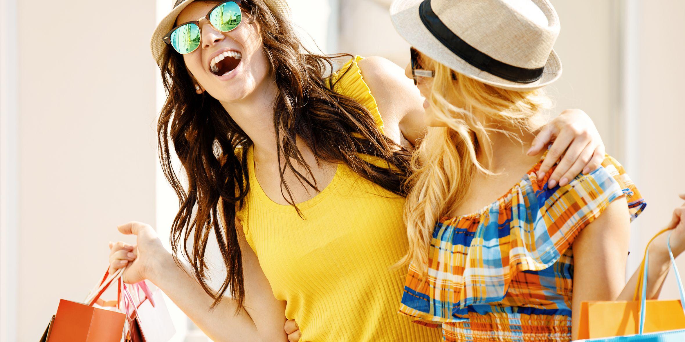 Milano è la città della moda, programma un giro con le amiche per fare shopping (in occasione dei saldi 2018) seguendo gli indirizzi più sfiziosi del momento, centro, navigli e distretto delle 5 vie.