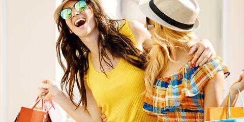Shopping con le amiche a Milano: i negozi più belli per fare acquisti in modalità offline