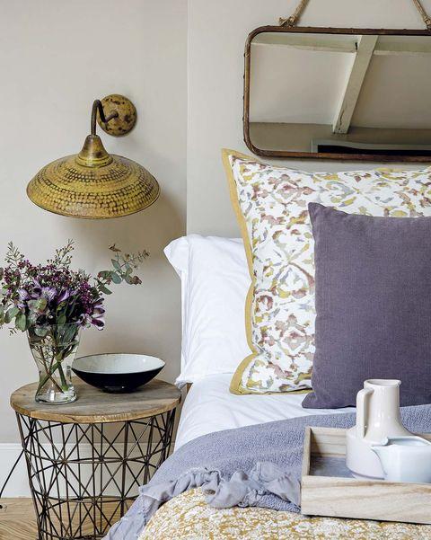 Lámparas: aplique vintage en el dormitorio