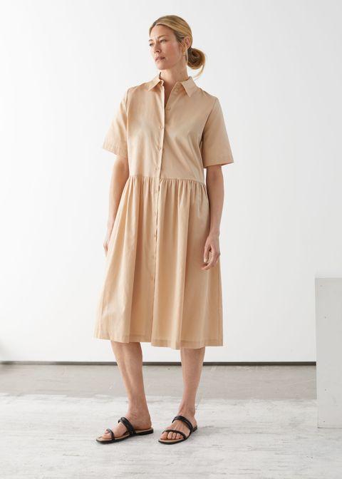Sleeve, Shoulder, Shoe, Collar, Joint, Human leg, Style, Sandal, One-piece garment, Dress,