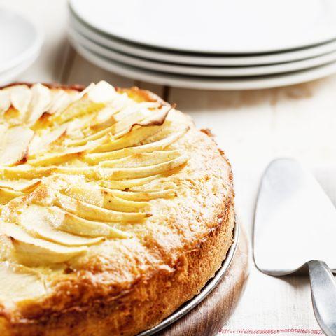 fresh homemade apple pie cake