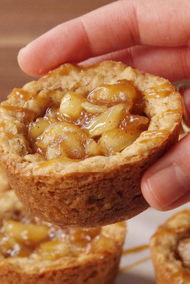 apple crisp cookie cupsdessert recipe