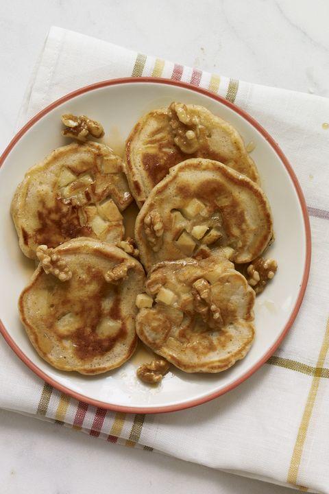 kid friendly breakfast recipes  apple pie pancakes