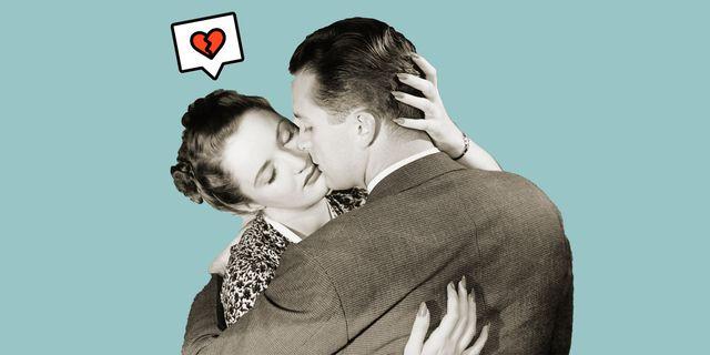 mujer y hombre vintage besándose