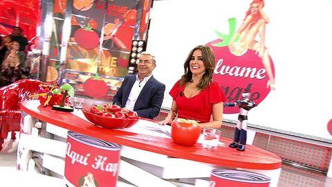 Jorge Javier Vázquez y Carmen Alcayde presentan Sálvame Tomate 17 años después de su estreno