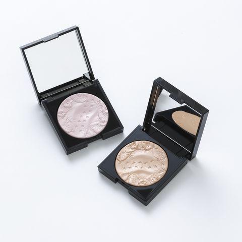 Eye shadow, Cosmetics, Eye, Face powder, Organ, Powder, Human body, Material property, Beige, Powder,