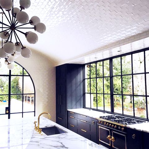 Room, Ceiling, Interior design, Property, Architecture, Building, Tile, Wall, House, Floor,