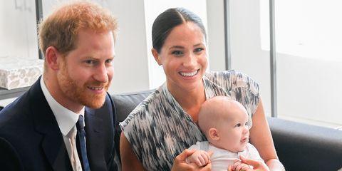 Harry y Meghan Markle con su hijo, Archie.