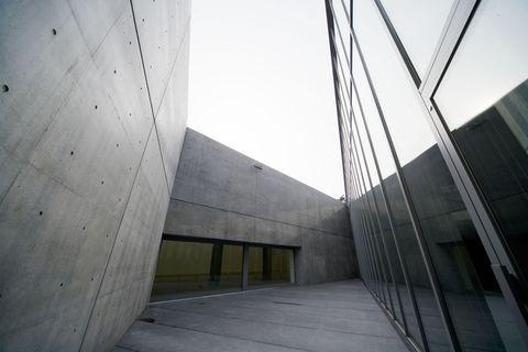 建築大師安藤忠雄設計的沈穩建築