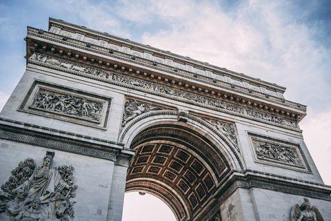 10 curiosità sull'Arco di Trionfo a Parigi che forse non sai