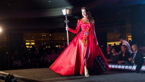 Fashion, Fashion show, Pink, Beauty, Dress, Fashion design, Event, Haute couture, Performance, Fashion model,