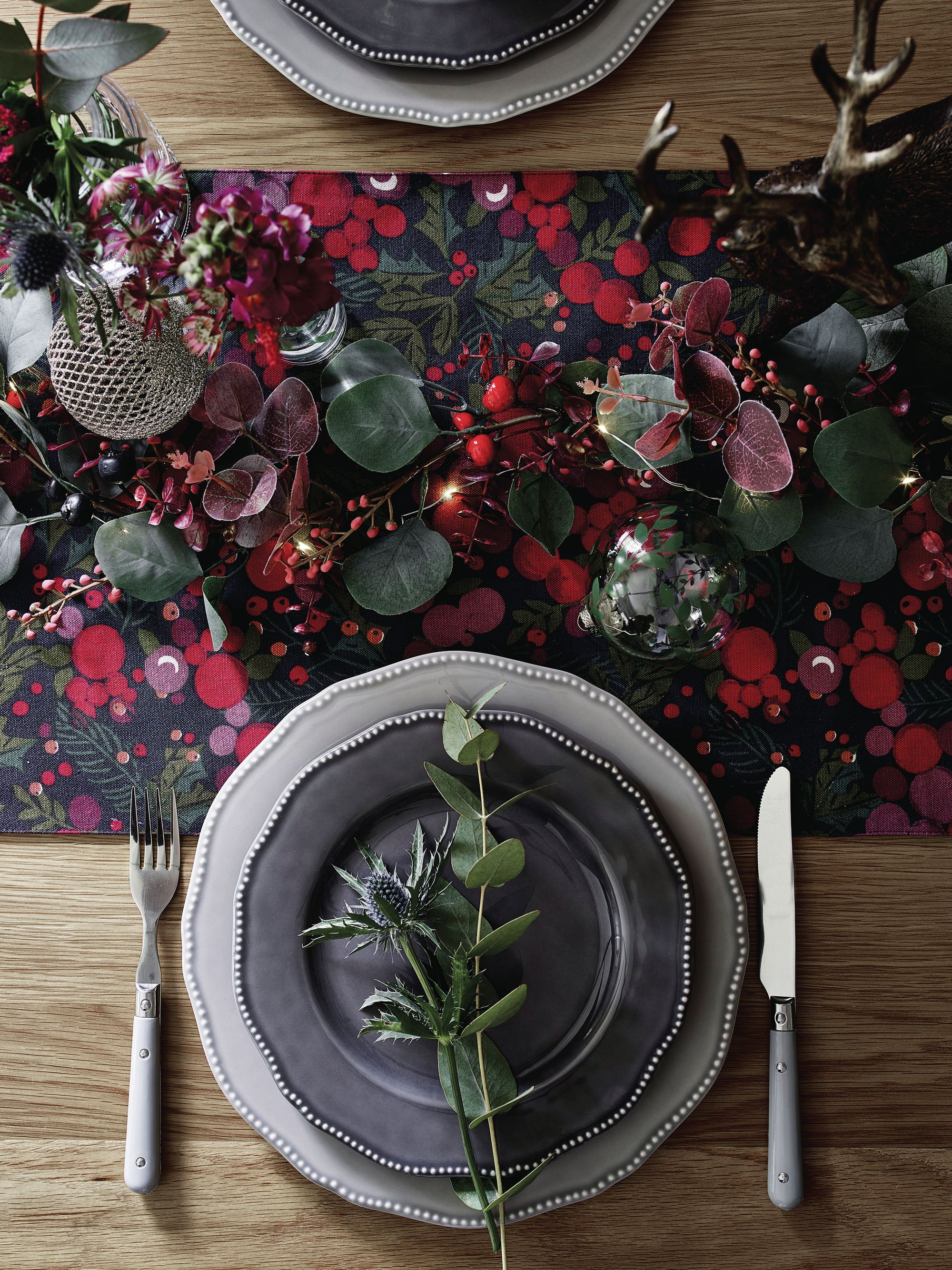 11 styling secrets to decorating the perfect Christmas table this year