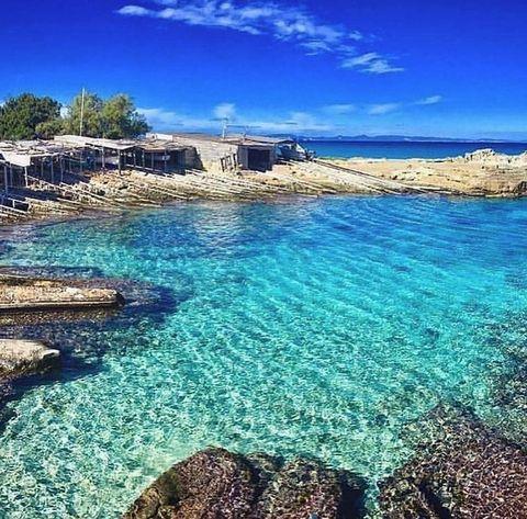 Body of water, Sea, Natural landscape, Coast, Sky, Ocean, Blue, Water, Shore, Azure,