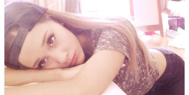 13 Times Ariana Grande Wore No Makeup On Social Media