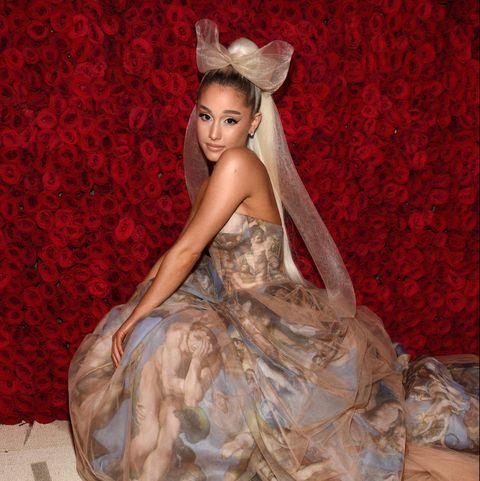 Ariana Grande Christmas.Ariana Grande Says Upside Down Christmas Tree Is A Metaphor