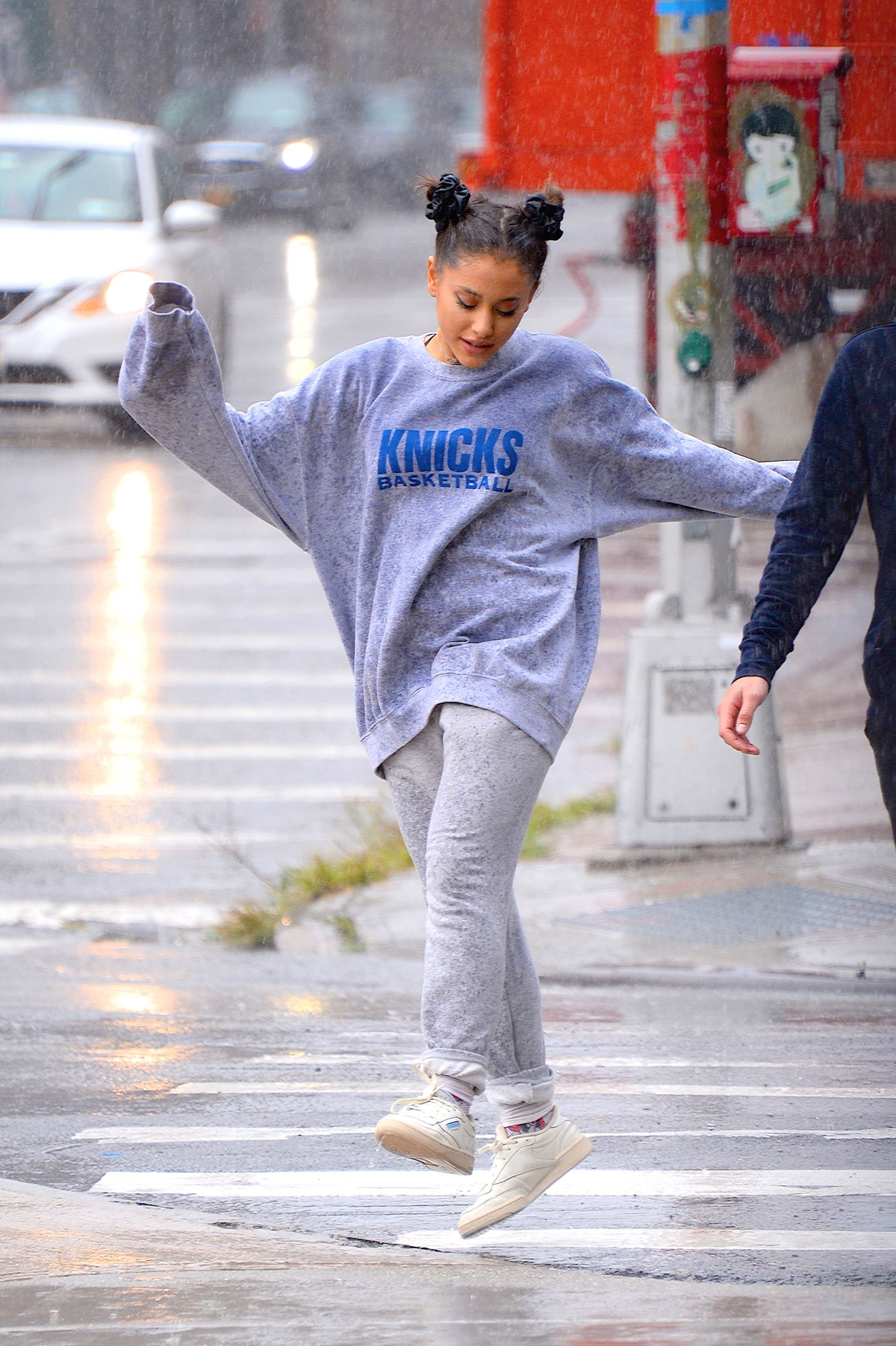 ariana grande danced in the rain while out with friends