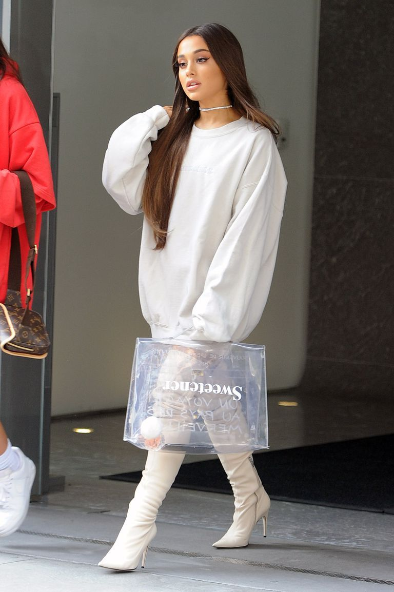 Thanks to ariana grande 2018 was the year everyone bought oversized hoodies