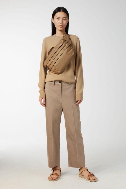 Clothing, Shoulder, Khaki, Beige, Neck, Standing, Brown, Fashion, Tan, Waist,