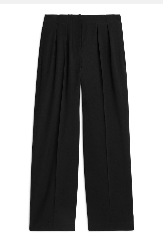 c8f6d77b9edcc6 Wide leg trousers trend - how to wear wide leg trousers