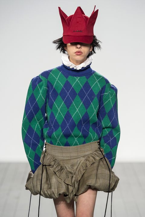 Clothing, Fashion, Green, Pattern, Design, Costume, Outerwear, Textile, Tartan, Sleeve,