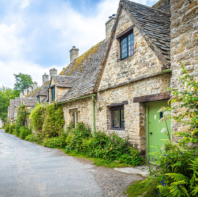 cotswolds   photos that prove it's the prettiest place in the world
