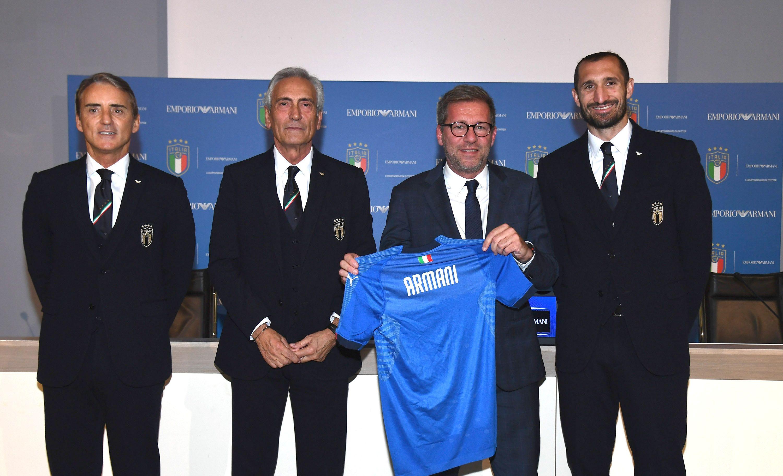 Armani Vestire Torna Nazionale La A 0O8PnwkX