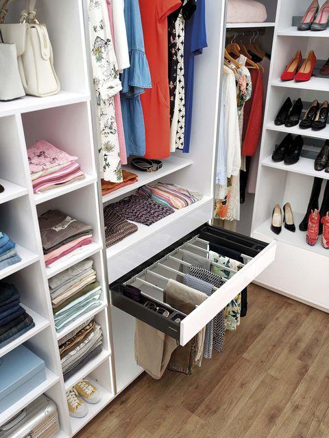 interior del armario vestidor