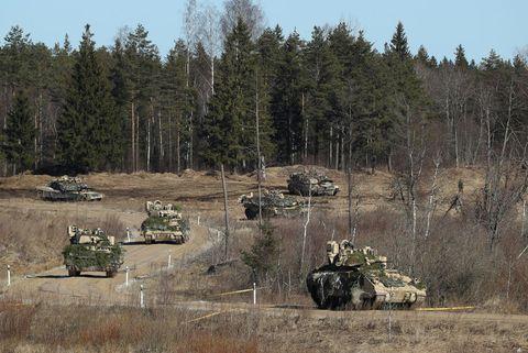 nous, les troupes, participons à des exercices estoniens