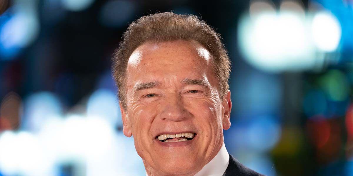 Arnold Schwarzenegger da la bienvenida a su primer nieto