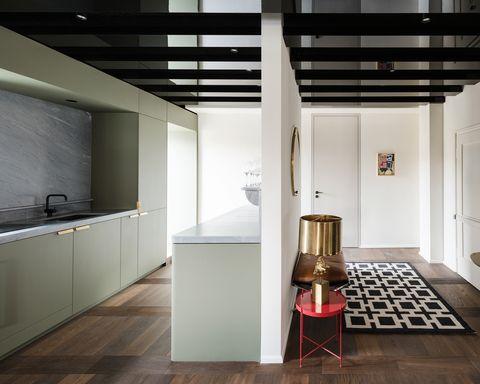 Postwar Apartment, Arnold / Werner - cucina e ingresso