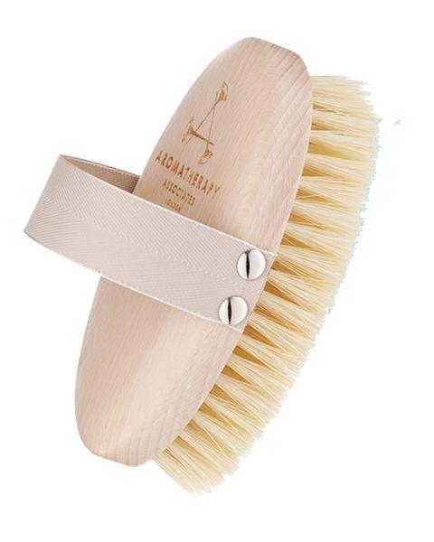 El 'dry brushing' es el ritual de belleza deMiranda Kerr y Gwyneth Paltrow para lucir una piel radiante